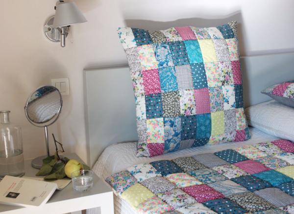 pondichery dessus de lit 2 personne en patch bleu. Black Bedroom Furniture Sets. Home Design Ideas