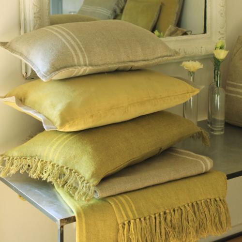 plaid en lin jaune 140x160cm. Black Bedroom Furniture Sets. Home Design Ideas
