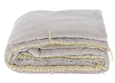 dessus de lit matelass dominos en velours de coton lilas. Black Bedroom Furniture Sets. Home Design Ideas