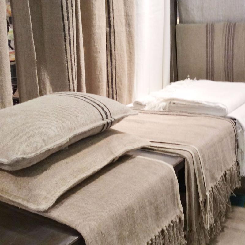 plaid en lin rayure blanche 140x270cm. Black Bedroom Furniture Sets. Home Design Ideas
