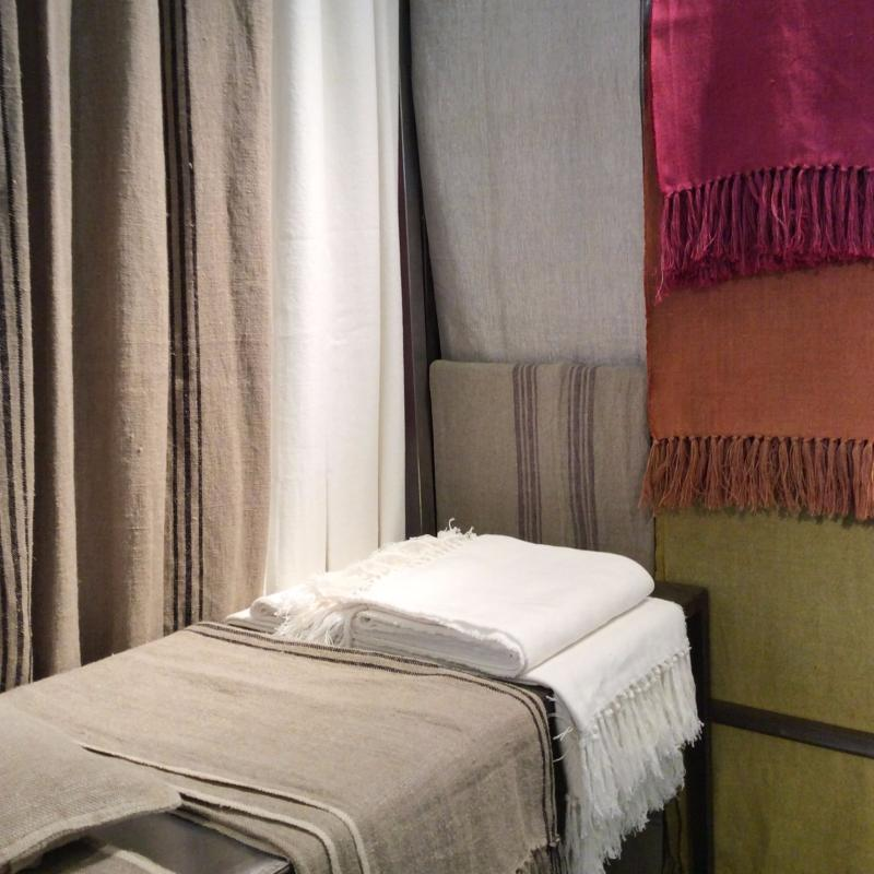 plaid en lin orange 140x160cm. Black Bedroom Furniture Sets. Home Design Ideas