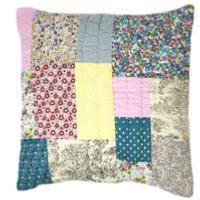 PATCHY Grand coussin 65x65 cm en patchwork