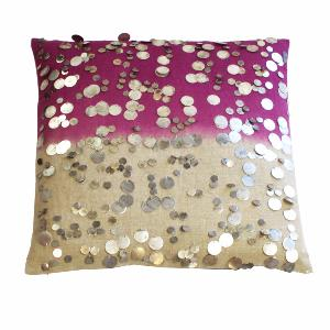 Coussin Gipsy Framboise brodé de sequins