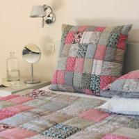PONDICHERY Plaid matelassé en patchwork Rose